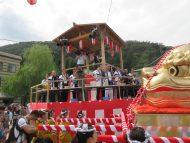 山中こいこい祭り(みこし入湯の儀)